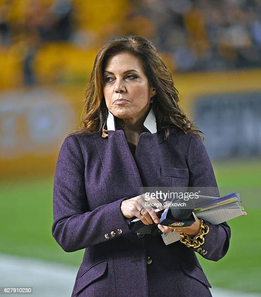 Michele Tafoya NBC Sports Sunday Night Football sideline reporter looks on from the sideline before a game between the Kansas City Chiefs and...