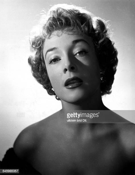 Micheline Presle *-Schauspielerin, FrankreichPorträt- 1955