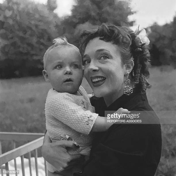 Micheline Presle and her daughter Tonie in 1950