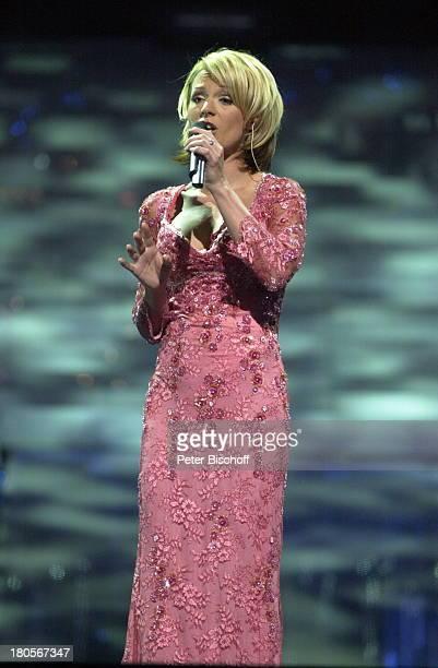 Michelle ARDShow Eurovision Song Contest Parken Stadion von Kopenhagen Dänemark Auftritt Bühne Mikrofon Singen singend