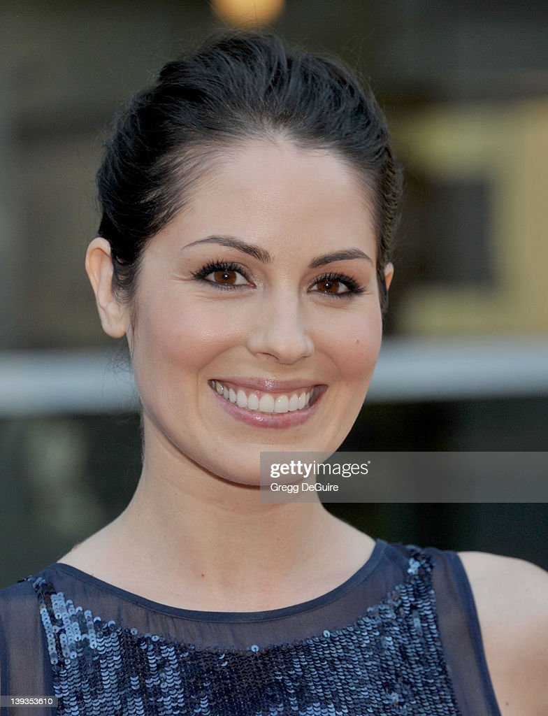 Carly Pope Carly Pope new pics