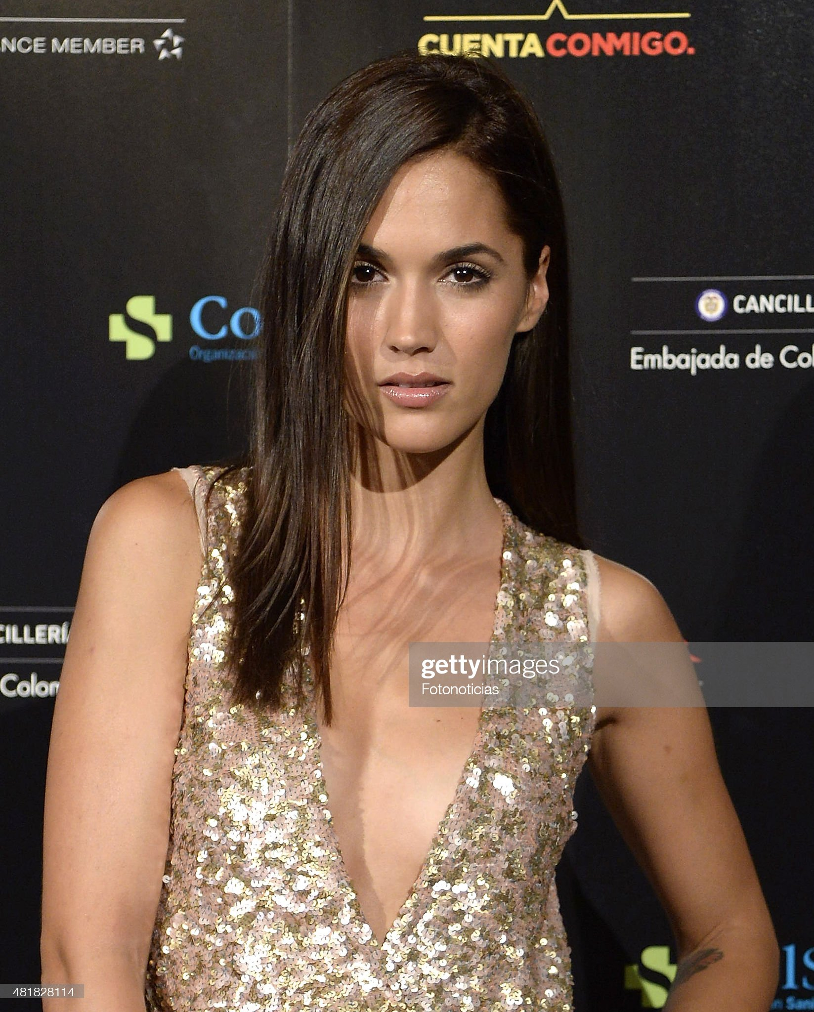 ¿Cuánto mide Michelle Calvó? - Real height Michelle-calvo-attends-the-juanes-concert-at-the-royal-theater-on-24-picture-id481828114?s=2048x2048