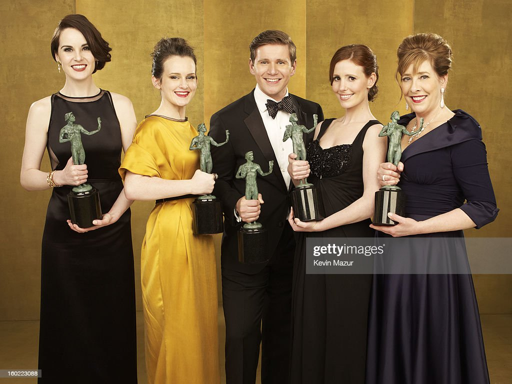 Michelle Dockery, Sophie McShera, Allen Leech, Amy Nuttall and Phyllis Logan pose during the 19th Annual Screen Actors Guild Awards at The Shrine Auditorium on January 27, 2013 in Los Angeles, California. (Photo by Kevin Mazur/WireImage) 23116_027_0242_R.jpg