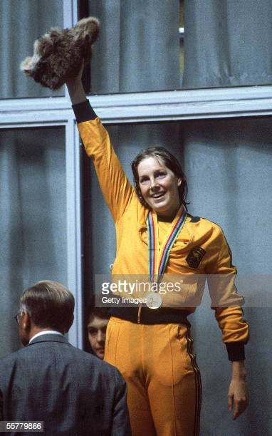 Michelle Ford of Australia celebrates winning gold in the Womens 800m Freestyle during the 1980 Olympic Games in Moscow Russia