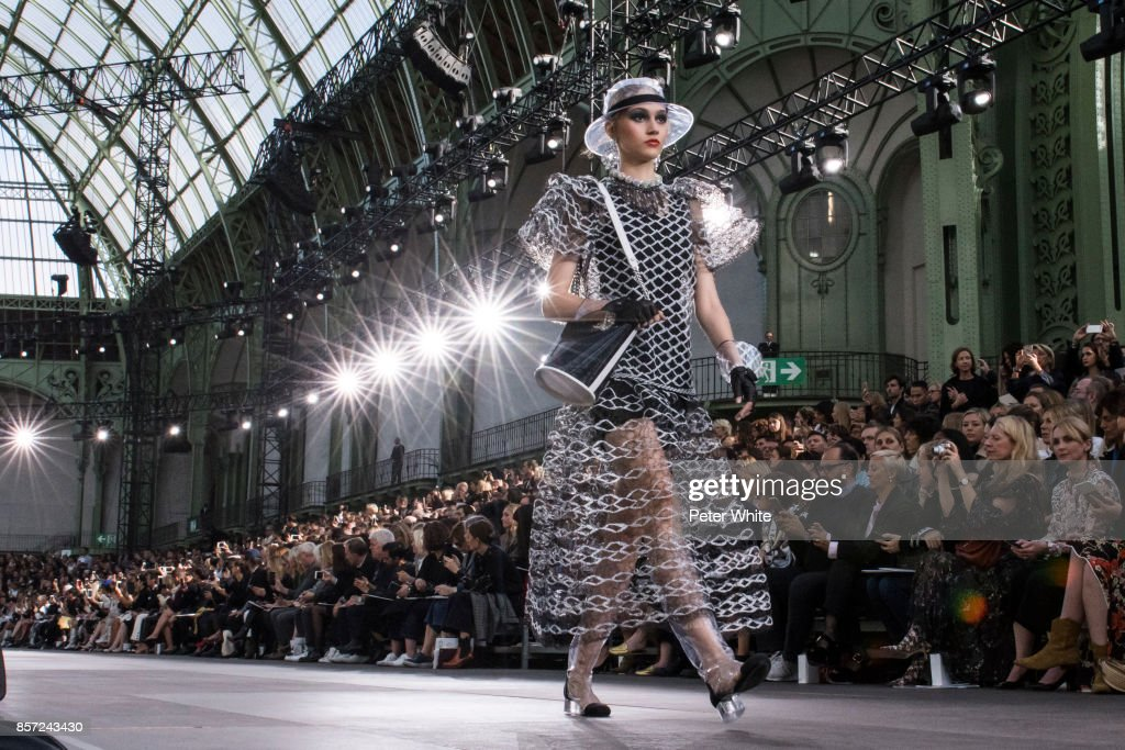 Michelle Gutknecht walks the runway during the Chanel Paris show as part of the Paris Fashion Week Womenswear Spring/Summer 2018 on October 3, 2017 in Paris, France.