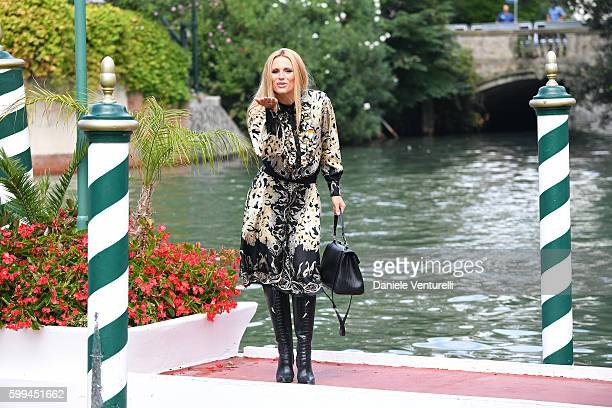 Michelle Hunziker arrives at Lido during the 73rd Venice Film Festivalon September 5 2016 in Venice Italy