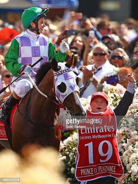 ペイン ミシェル テリーサ・パーマーの乗馬練習が公開『ライド・ライク・ア・ガール』オフショット写真
