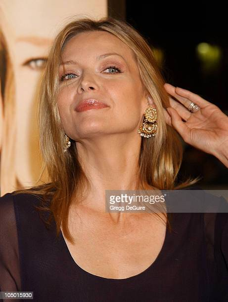 Michelle Pfeiffer during 'White Oleander' Premiere Los Angeles at Grauman's Chinese Theatre in Hollywood California United States