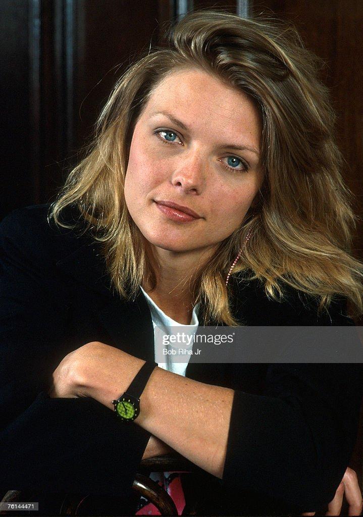 Michelle Pfeiffer File Photos : News Photo