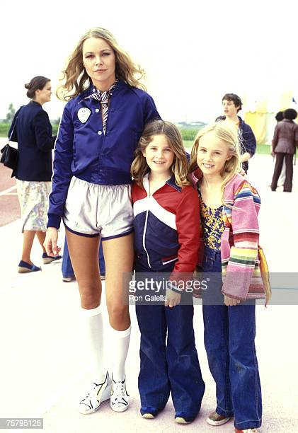 Michelle Phillips daughter Chynna Phillips and friend