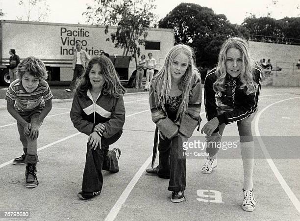 Michelle Phillips daughter Chynna Phillips and friends