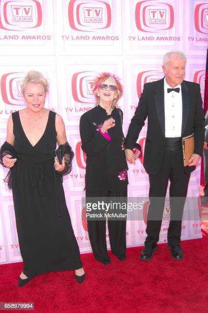 Michelle Phillips Shelley Faberes and Mike Farrell attend 2009 TV LAND AWARDS at Universal Studios on April 19 2009 in Los Angeles CA