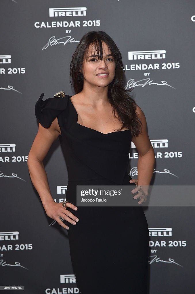 2015 Pirelli Calendar - Red Carpet