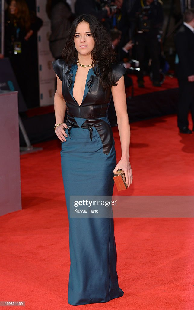 EE British Academy Film Awards 2014 - Red Carpet Arrivals : News Photo