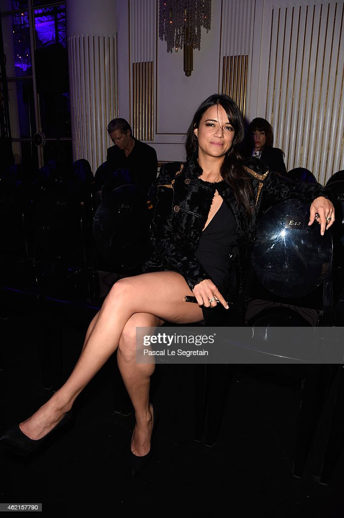 Versace : Front Row - Paris Fashion Week - Haute Couture S/S 2015