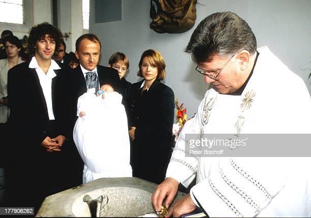 Michelle , Tochter Celine, Ehemann Albert Oberloher , Taufe von Tochter, Kirchdorf, Deutschland, Europa, Kirche, Baby, Taufbecken, Familie, Ehefrau,...