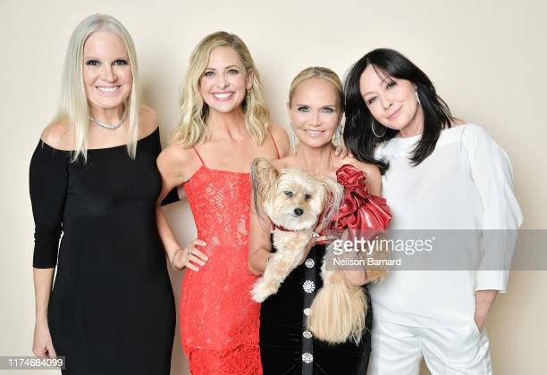 Michelle Vicary Sarah Michelle Gellar Kristin Chenoweth Jeanie and Shannen Doherty pose for a portrait in the Getty Images People Magazine Portrait...