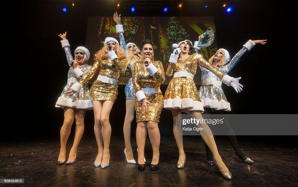 """RuPaul's Drag Race """"Christmas Queens"""" Show in Birmingham : Fotografía de noticias"""
