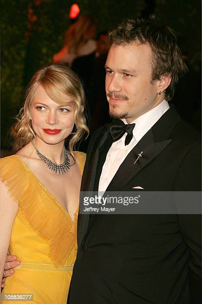 Michelle Williams and Heath Ledger during 2006 Vanity Fair Oscar Party Hosted by Graydon Carter - Arrivals at Morton's in West Hollywood, California,...