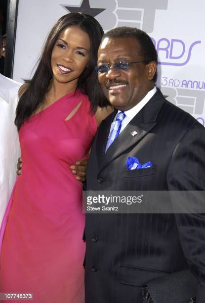 Michelle Williams and Johnnie Cochran during The 3rd Annual BET Awards Arrivals at The Kodak Theater in Hollywood California United States