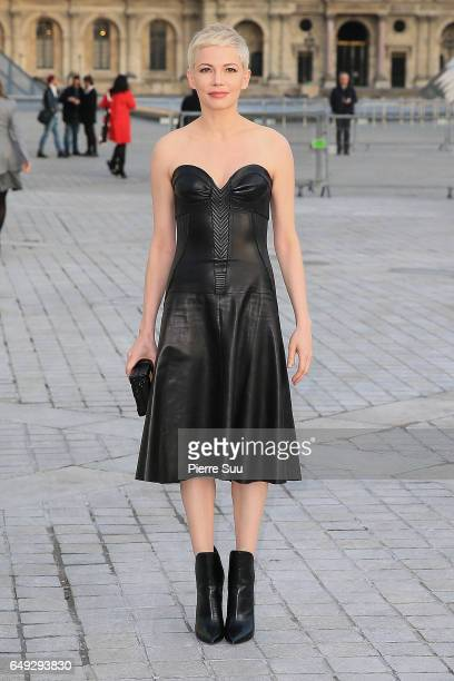 Michelle Williams arrives at the Louis Vuitton show as part of the Paris Fashion Week Womenswear Fall/Winter 2017/2018 on March 7 2017 in Paris France