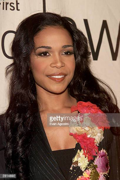 Michelle Williams arriving at the 2001 VH1 Vogue Fashion Awards at Hammerstein Ballroom in New York City 10/19/01 Photo by Evan Agostini/ImageDirect