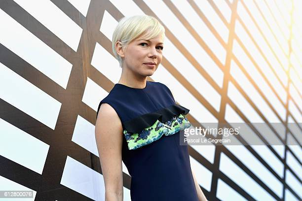 Michelle Williams attends the Louis Vuitton show as part of the Paris Fashion Week Womenswear Spring/Summer 2017 on October 5 2016 in Paris France