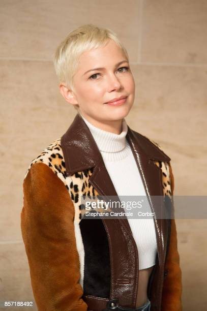 Michelle Williams attends the Louis Vuitton show as part of the Paris Fashion Week Womenswear Spring/Summer 2018 at Musee du Louvre on October 3 2017...