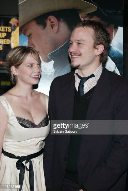 Michelle Williams Heath Ledger during Arrivals at the premiere of Brokeback Mountain at Loews Lincoln Square Theater in New York New York United...