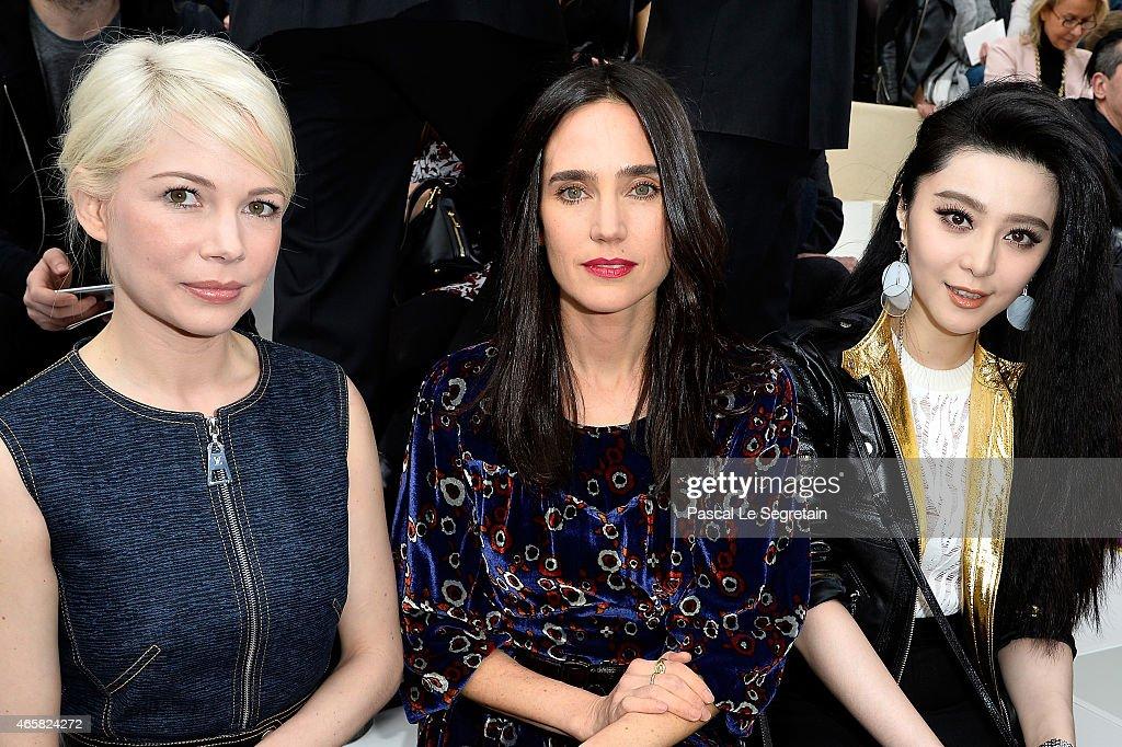 Louis Vuitton  : Front Row - Paris Fashion Week Womenswear Fall/Winter 2015/2016 : News Photo