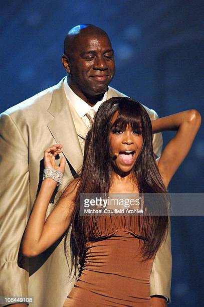 Michelle Williams of Destiny's Child performs Cater 2 U with Earvin Magic Johnson