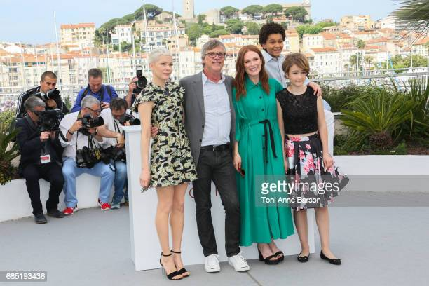 Michelle WilliamsTodd Haynes Julianne Moore Millicent Simmonds and Jaden Michael attend the 'Wonderstruck' photocall during the 70th annual Cannes...