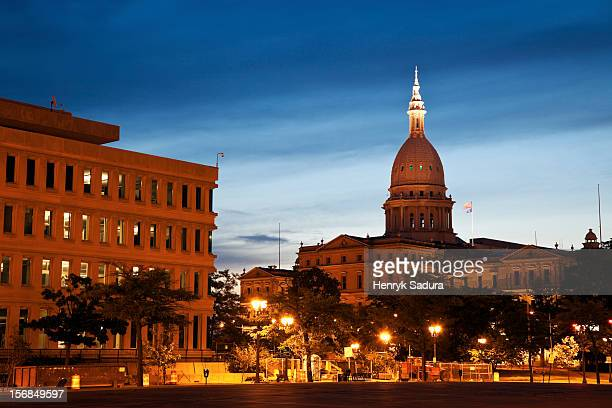 usa, michigan, lansing, state capitol building at sunrise - ランシング ストックフォトと画像