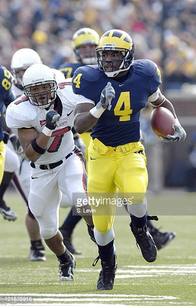 Michigan running back Brandon Minor during the game between the Ball State Cardinals and the University of Michigan Wolverines at Michigan Stadium in...