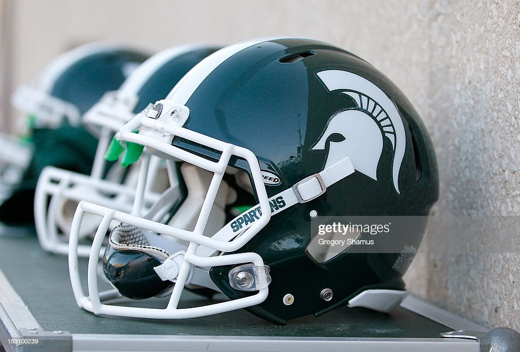 Ohio State v Michigan State : News Photo