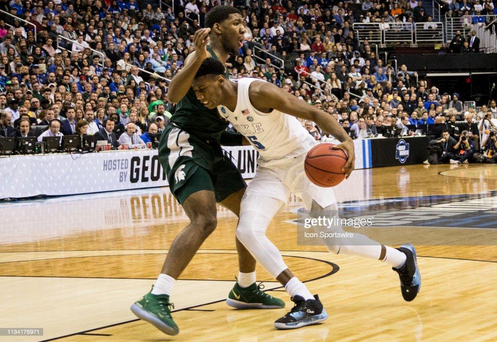 NCAA BASKETBALL: MAR 31 Div I Men's Championship - Elite Eight - Duke v Michigan St. : News Photo