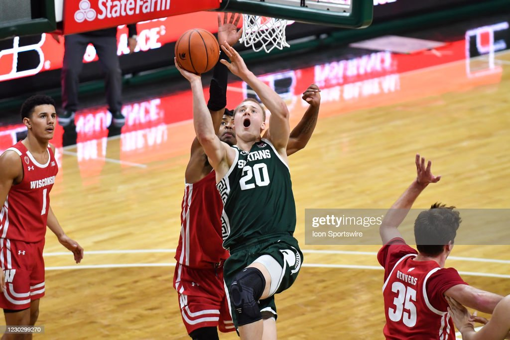 COLLEGE BASKETBALL: DEC 25 Wisconsin at Michigan State : News Photo