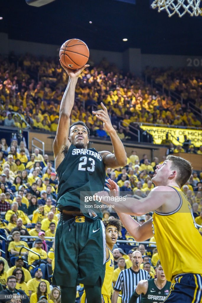 COLLEGE BASKETBALL: FEB 24 Michigan State at Michigan : News Photo