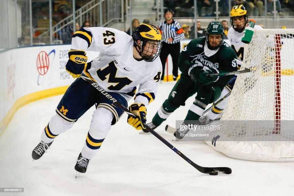 COLLEGE HOCKEY: DEC 07 Michigan State at Michigan : News Photo