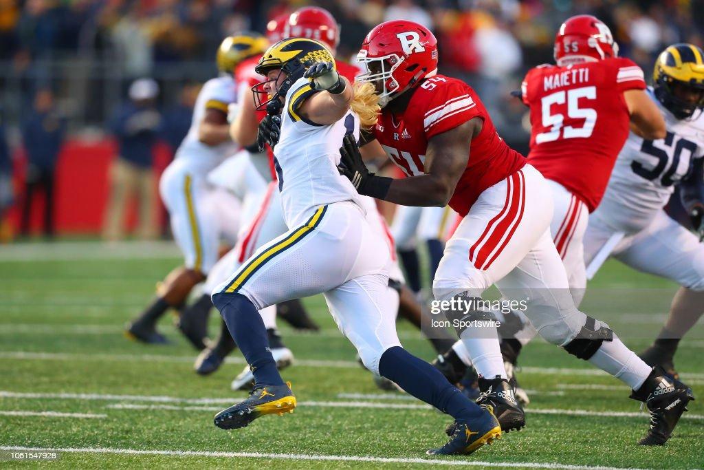 COLLEGE FOOTBALL: NOV 10 Michigan at Rutgers : News Photo