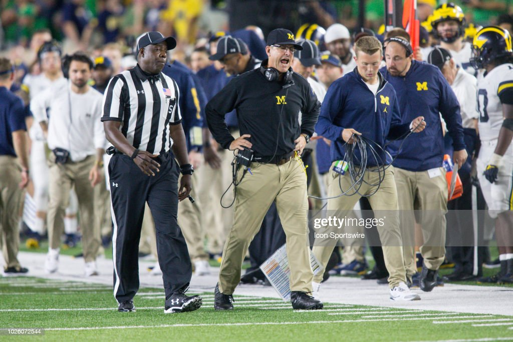 COLLEGE FOOTBALL: SEP 01 Michigan at Notre Dame : News Photo