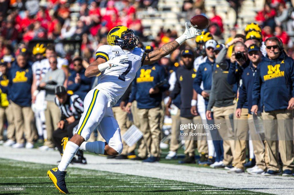 COLLEGE FOOTBALL: NOV 02 Michigan at Maryland : News Photo