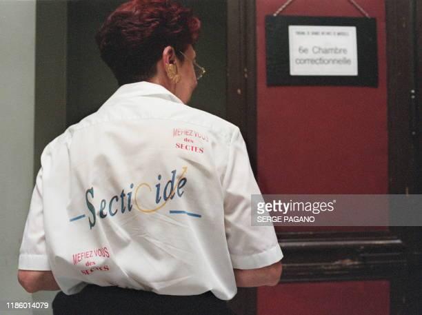 Michèle de Bouvier de Cachard de l'association Secticide qui se bat contre l'influence des sectes se rend le 22 septembre 1999 au tribunal...
