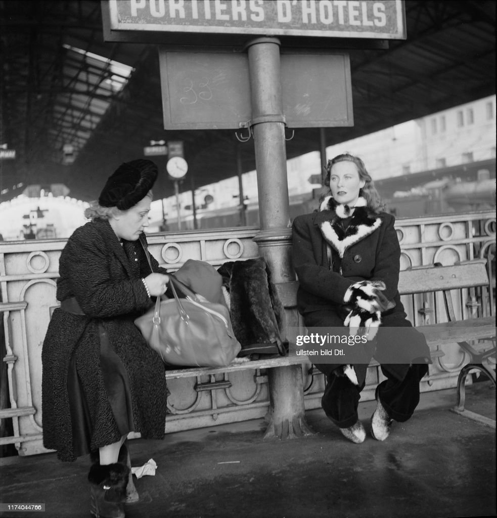 Michèle Morgan am Bahnhof Lausanne, 1946 : Photo d'actualité