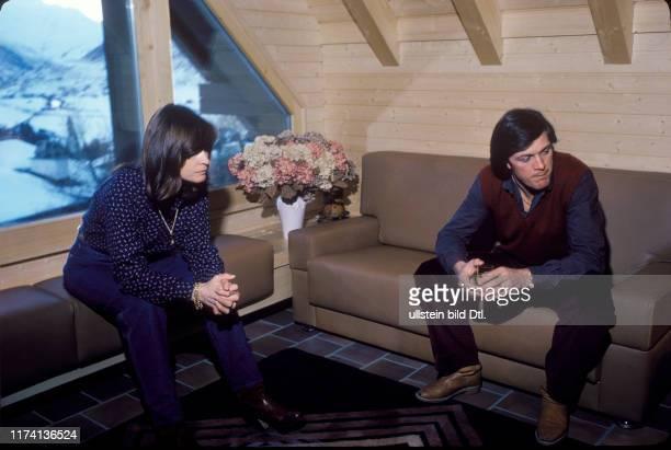 Michèle Rubli und Ehemann Bernhard Russi in ihrem neuen Haus 1980