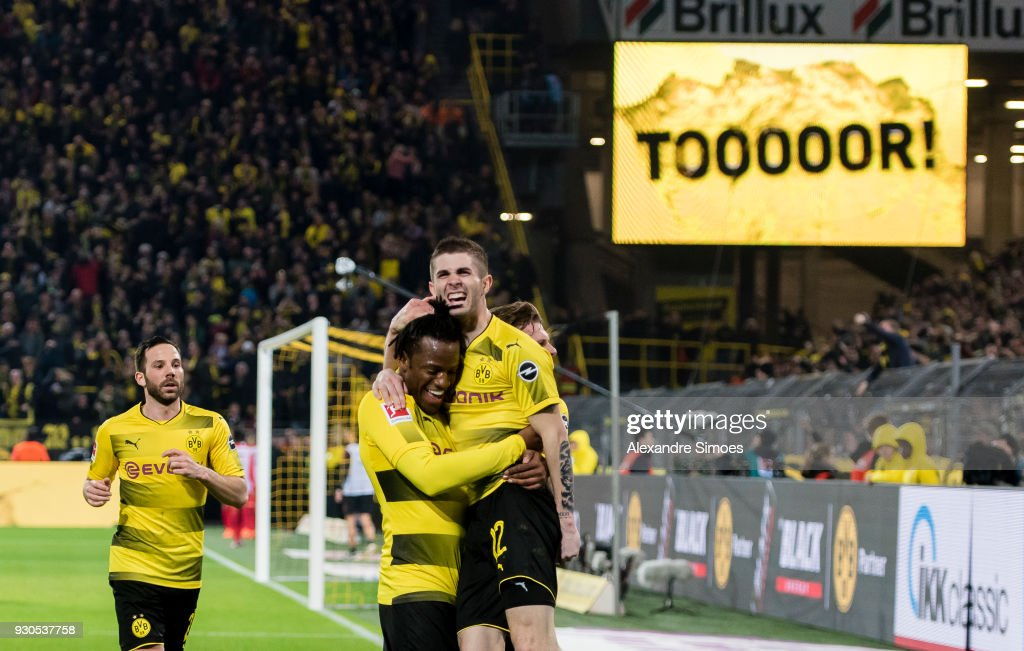 Michy Batshuayi of Borussia Dortmund celebrates scoring the goal to the 2:1 during the Bundesliga match between Borussia Dortmund and Eintracht Frankfurt at the Signal Iduna Park on March 11, 2018 in Dortmund, Germany.