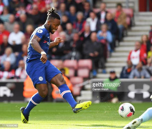Michy Batshuayi of Chelsea shoots to score his teams fourth goal during the Premier League match between Southampton FC and Chelsea FC at St Mary's...