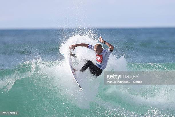 Mick Fanning of Australia surfs during semifinal at the Quiksilver Pro France on october 4 2013 in Hossegor southwestern France Photo Manuel...