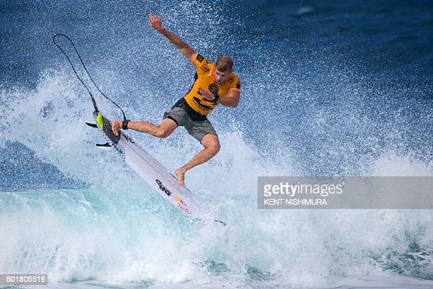 Mick Fanning surfs during the semifinals of the Pipeline Masters event of the Vans Triple Crown at Ehukai Beach Park in Haleiwa Hawaii on December 17...