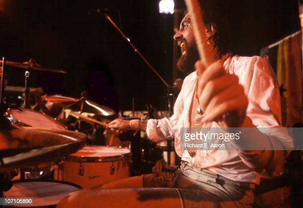 Mick Fleetwood performs live on stage in a club in Ghana in February 1981